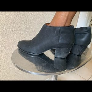 Lucky Brand Black Leather Booties Sz 8